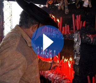 12. Gauchito Gil: Seguint les banderes roges
