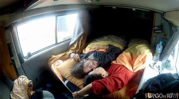 Durmiendo en nuestra furgoneta camper