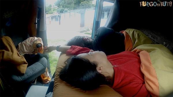 Durmiendo en nuestra furgo camper