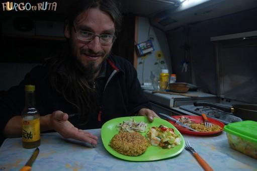 Comiendo en nuestra furgo camper