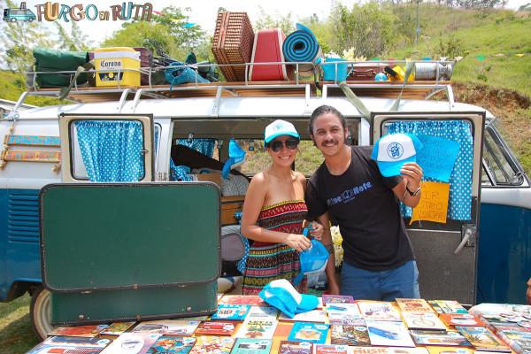 Juan Diego y Mariacamila, viajeros colombianos de La casita azul, en el festival rodante