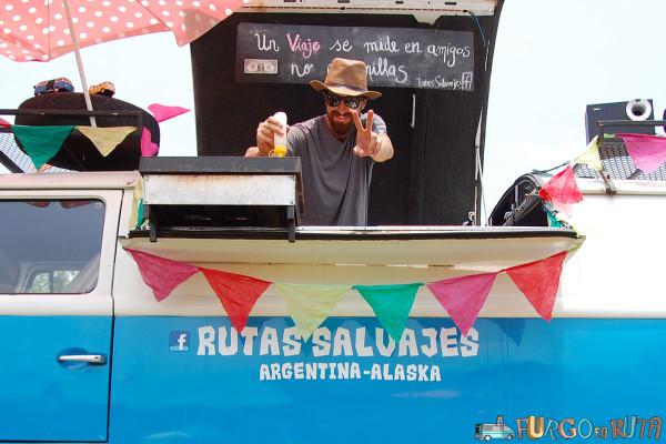 Franco, viajero argentino de Rutas Salvajes, en el festival rodante