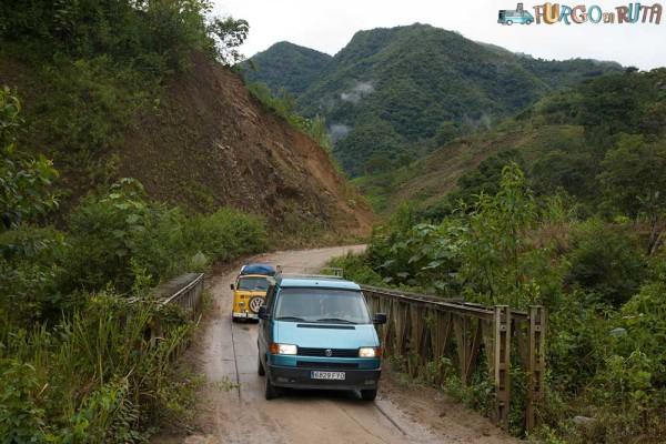 Camino a Zumba y la Balsa