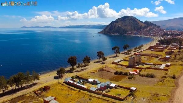 El lago Titicaca desde el camping Suma Samawi