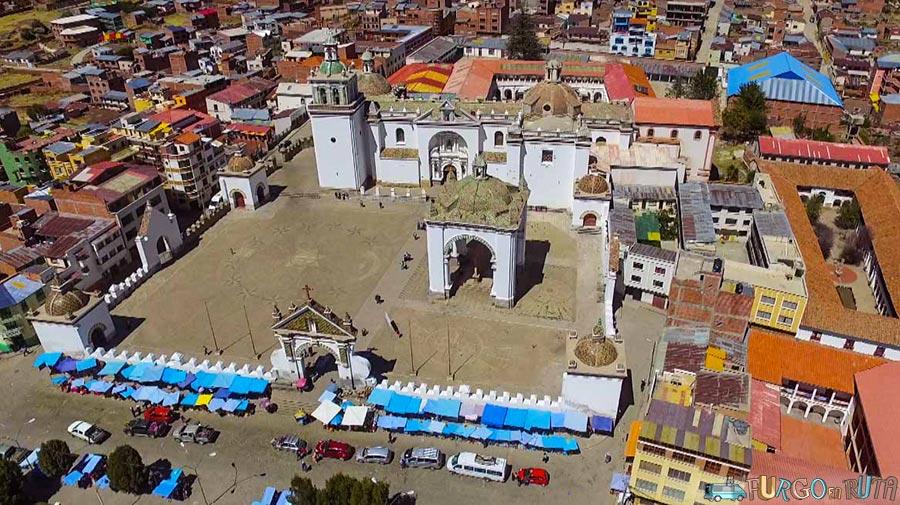 [:es]La iglesia de la población boliviana.[:ca]L'esglèsia de la població boliviana[:en]The church.[:]