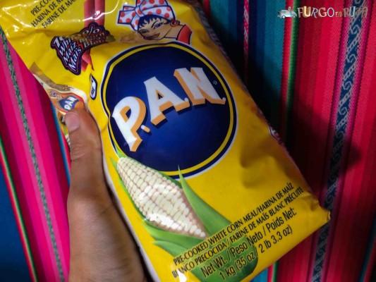 Harina PAN, la harina de maíz preferida por colombianos y venezolanos para las arepas. El mejor substituto del pan.