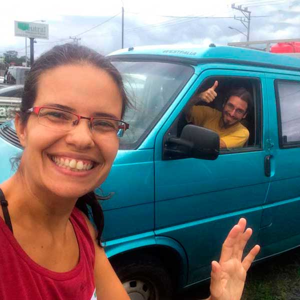 Leave the tourist vehicle in Costa Rica and stop the time