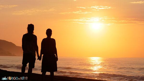 Disfrutamos de una excelente salida de sol en una de las mejores playas de Panamá: Cambutal
