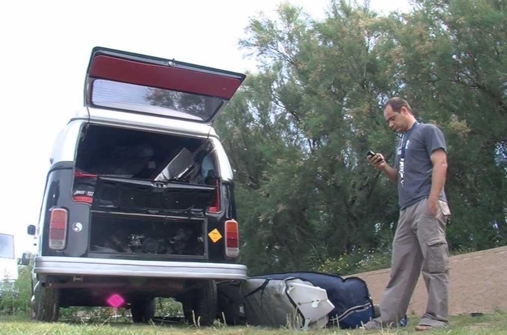 furgoneta T2 con tablas de surf