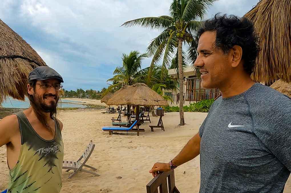En la playa Paamul con Carlos de los Xino xano