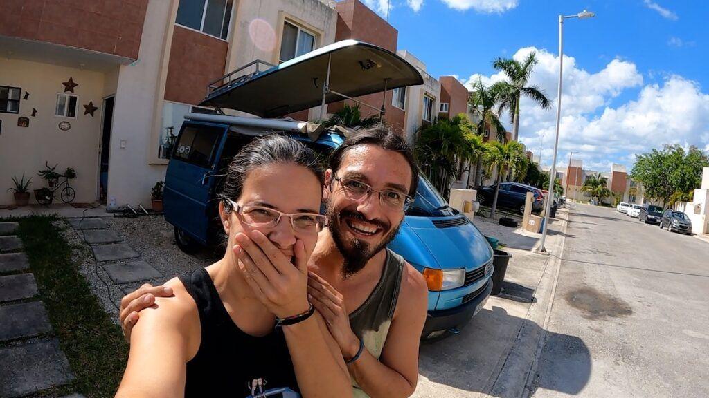 Nuestra furgo Volkswagen California sin la lona del techo elevable, un día antes de empezar nuestro roadtrip por México